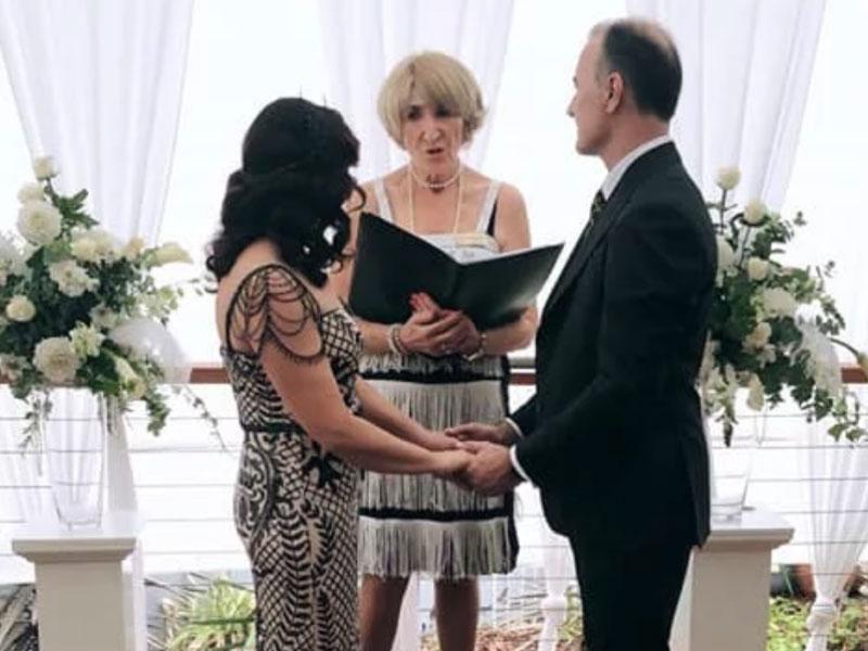 Yvonne Wood - Who Doesnt Love a Gatsby Wedding??